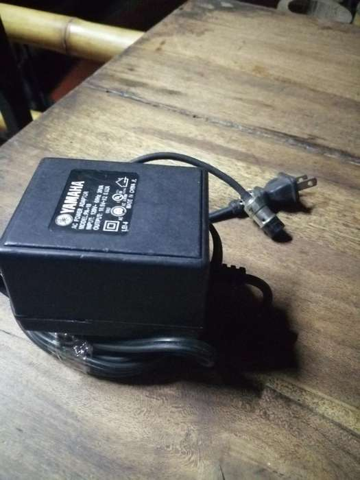 Cargador para Consola Yamaha Analagoa