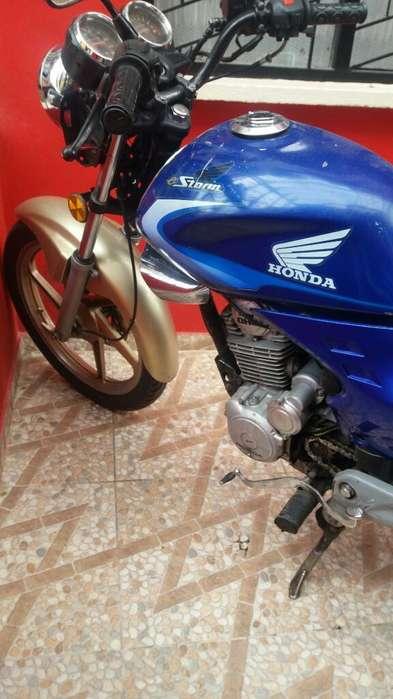 Vendo Moto Honda Strom