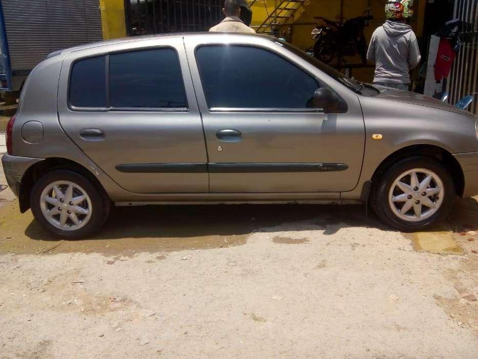 Renault Clio  2002 - 143 km
