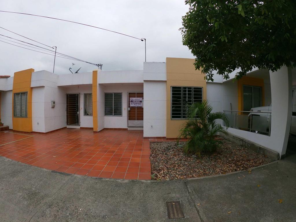 Se vende Casa Prados del Este - Código: 3227