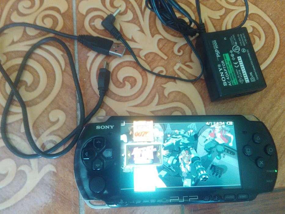 psp 3001 excelente estado 140 con sus cables y cargador