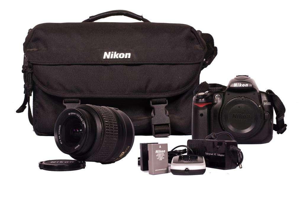 Nikon D5000  Objetivo 18-55 Vr 3.5 Af-s  Bolso  2 Baterias