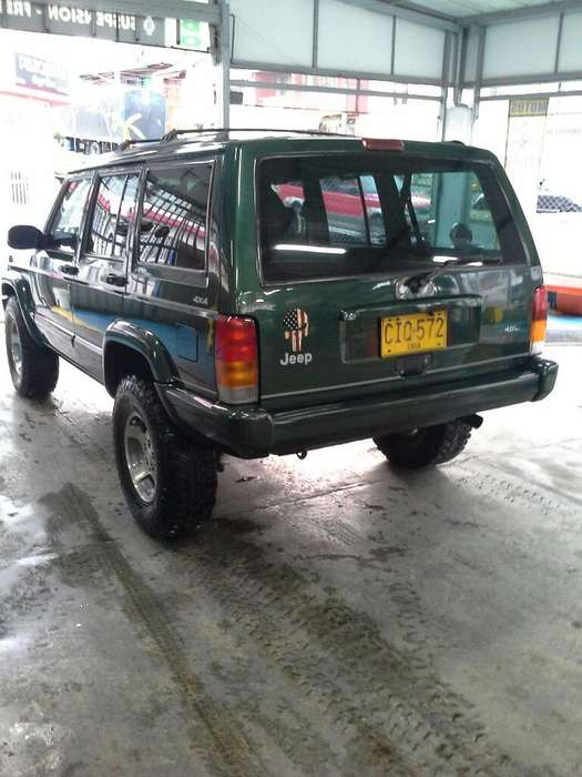 <strong>jeep</strong> Cherokee 1998 - 219000 km