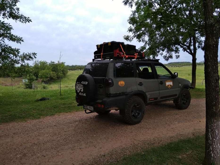 Viajes de expedicion y aventura con vehiculo 4x4 exclusivo
