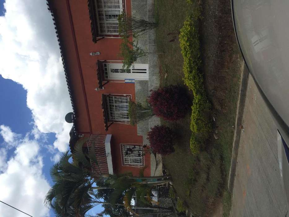 hermosa casa en restrepo valle o se venpermuta