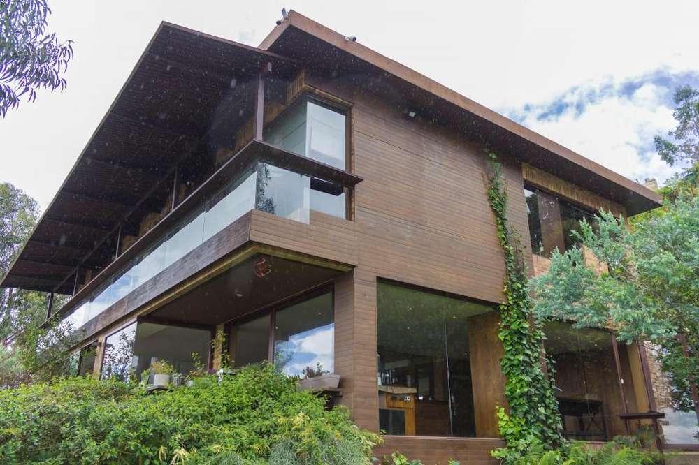 Vendo exclusiva Casa en Chia MLS 19-1033