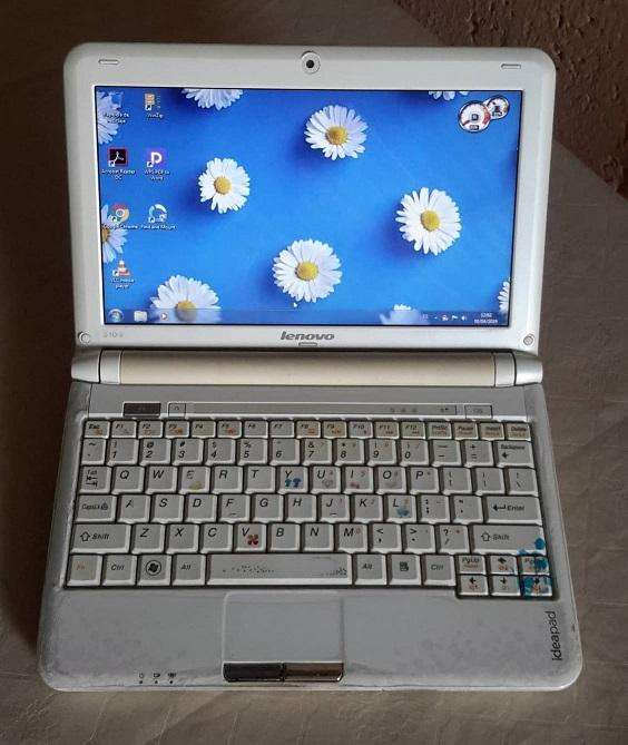 Mini laptop Vendo lea para recibir respuesta