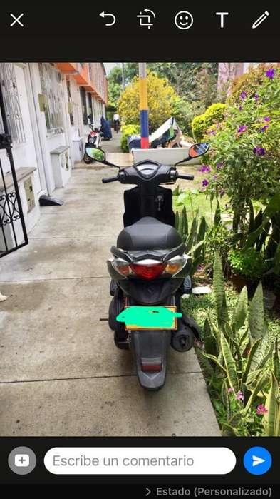 Vendo Moto Agility Rs 2012