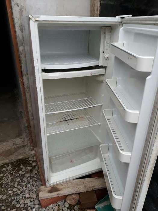 Refrigeradora en Buen Estado Funcional