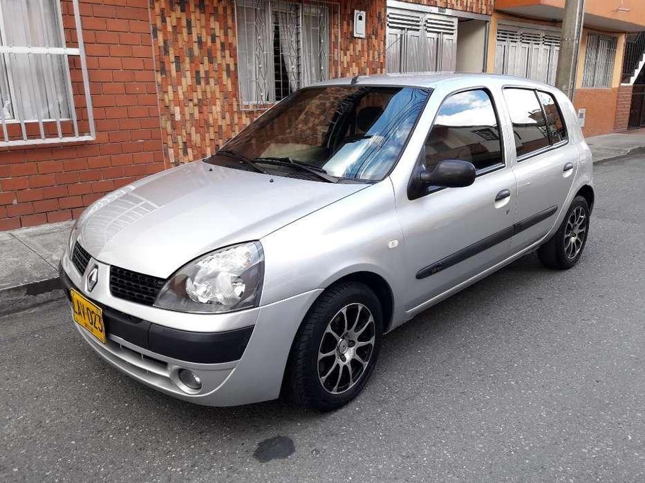 Renault Clio  2011 - 84000 km