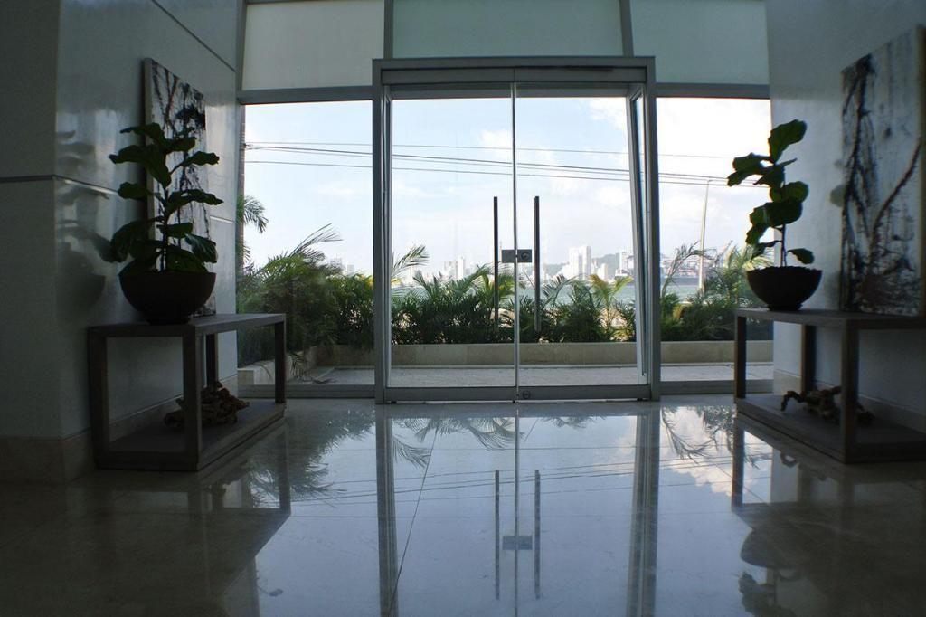 Apartamento En Arriendo En Cartagena Castillogrande Cod: 9544