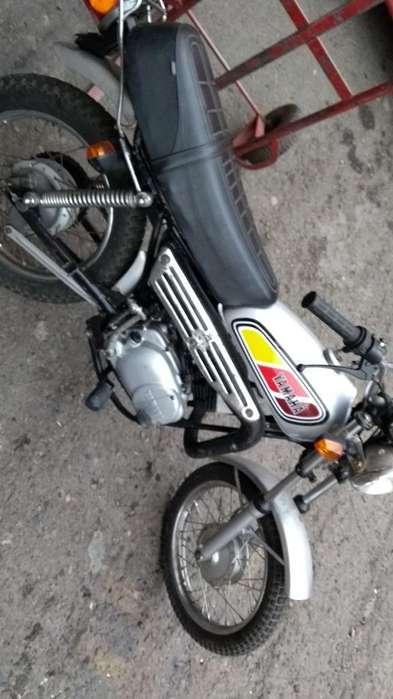 Moto Yamaha Suzuki 50