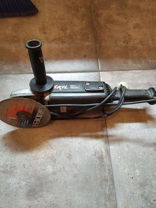 Amoladora 180mm Skill