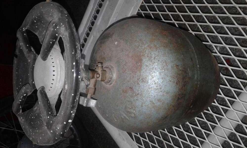 Calentador con garrafita con algo de gas
