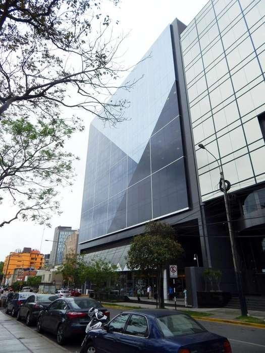 Parque Plaza: oficina implementada de 487 m2, con mobiliario, lista para usar.