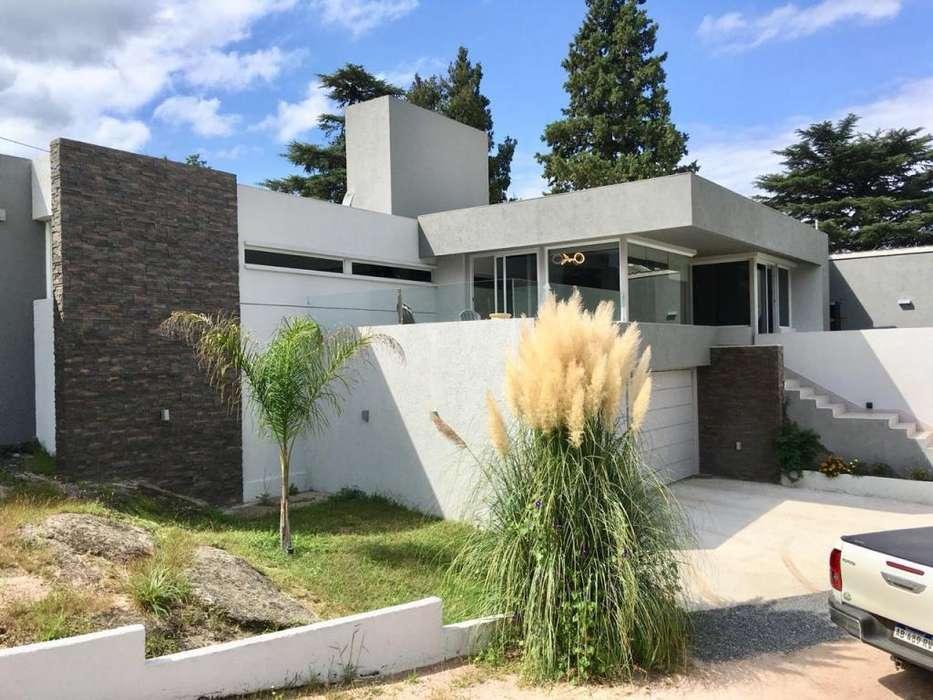 Hermosa casa en Villa del Lago, Villa Carlos Paz