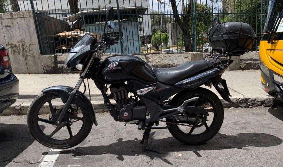 Moto <strong>honda</strong> CB 150 Unicorn