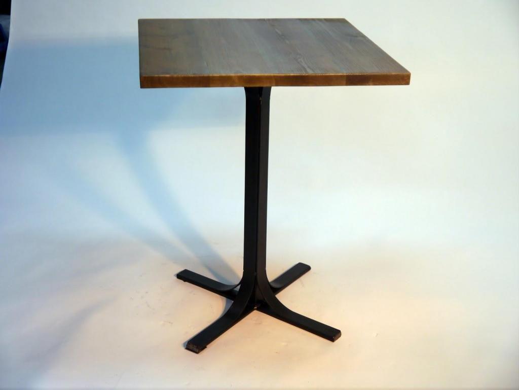 Fabrico bases tripode en hierro, muebles en hierro Tiffany Plan Acum