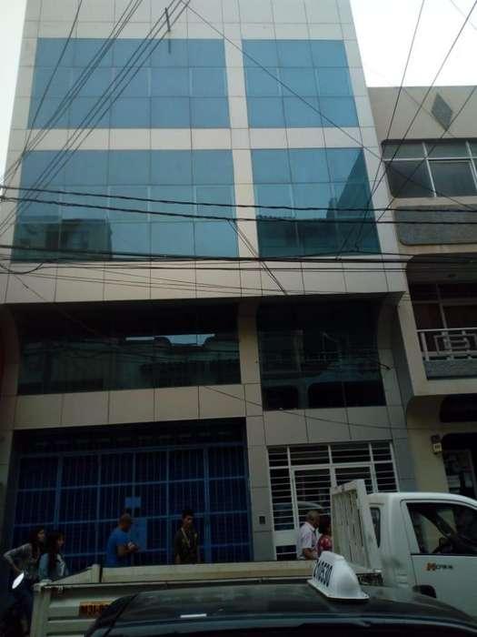 Vendo EDIFICIO COMERCIAL EN PLENO CENTRO DE CHICLAYO 965300907