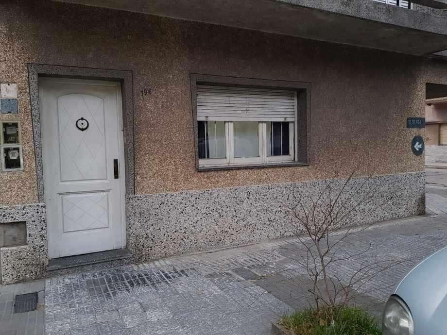 Departamento Tipo Casa en venta en Avellaneda Este