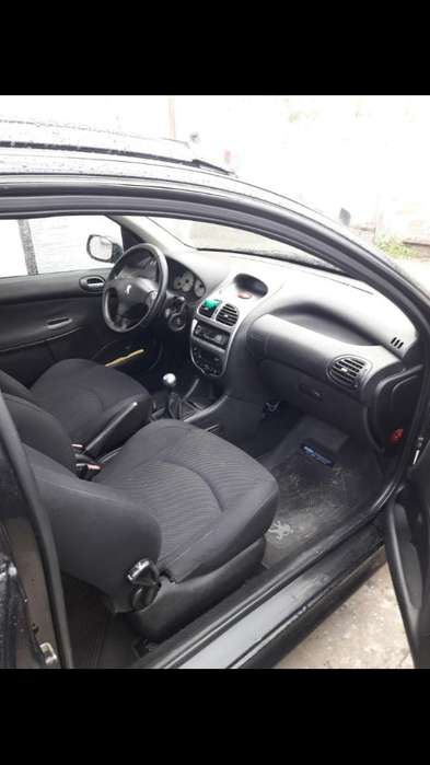 Peugeot 206 2006 - 155000 km
