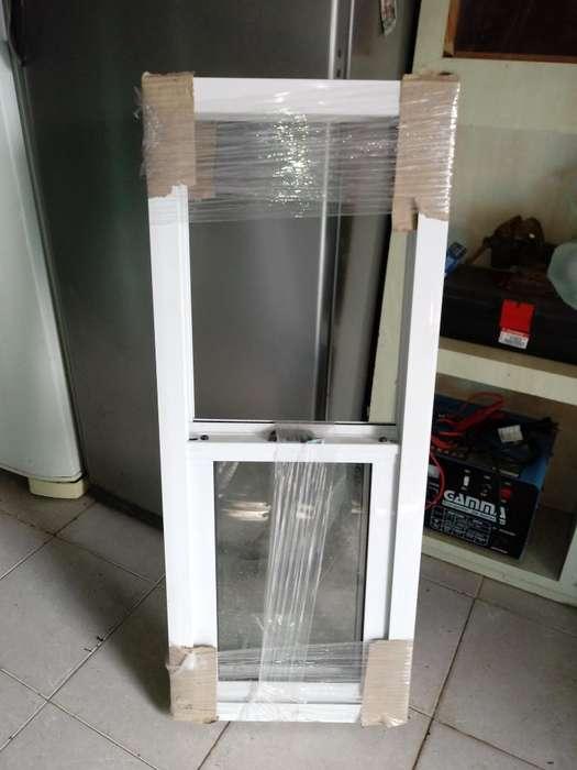 Ventana de Aluminio Blanco 1mts.x0.40cnt