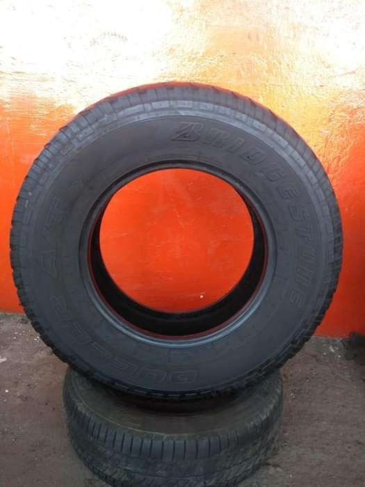 <strong>neumatico</strong> 255/70 r16 Bridgestone