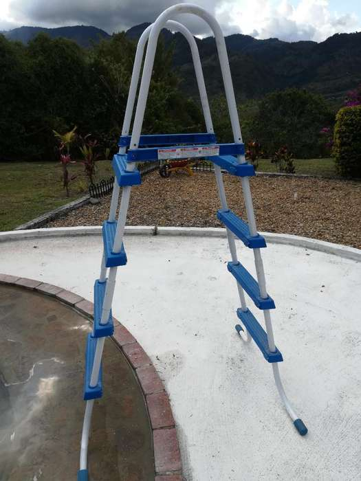 Escalera para Piscina Intex
