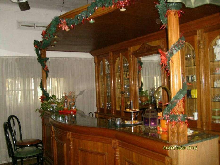 Bar de Roble con Espejo Mueble Vidriera