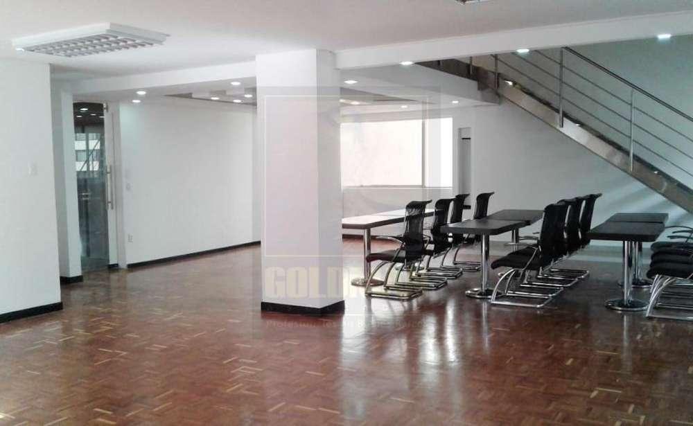 12 de Octubre, oficina duplex, 220 m2, alquiler, 4 ambientes, 3 baños, 2 parqueadero