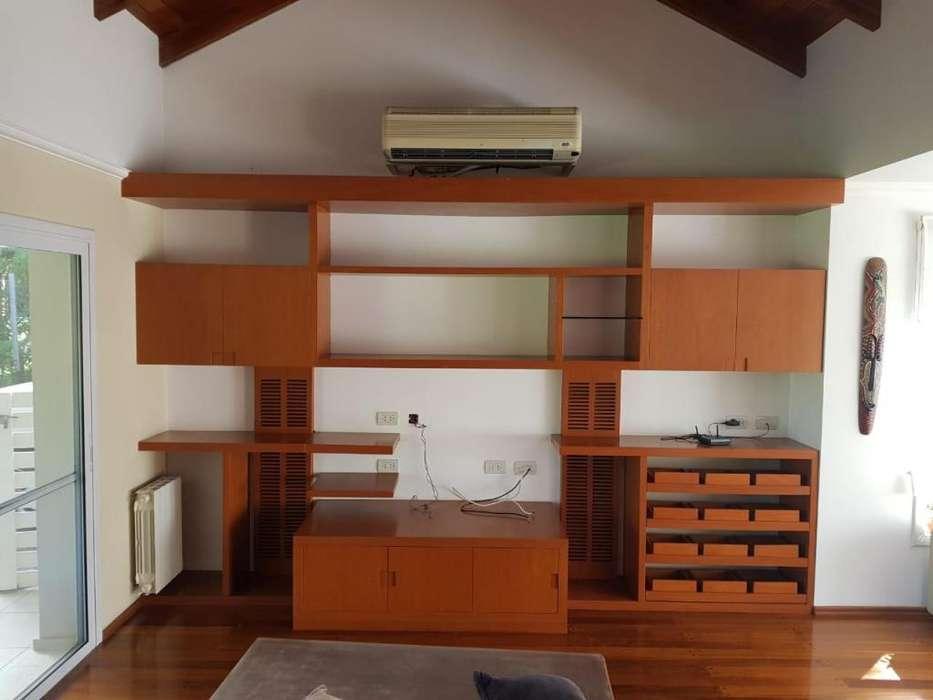Mueble de Madera Enchapada para living! Impecable