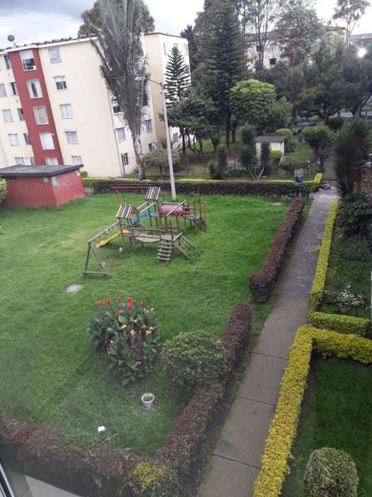 Cedo Apartamento Bochica 3