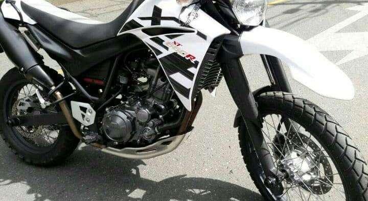 Slider de motor lujo YAMAHA XT660