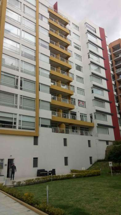 Departamento en arriendo, sector El Bosque, amplio buena vista 3 habitaciones