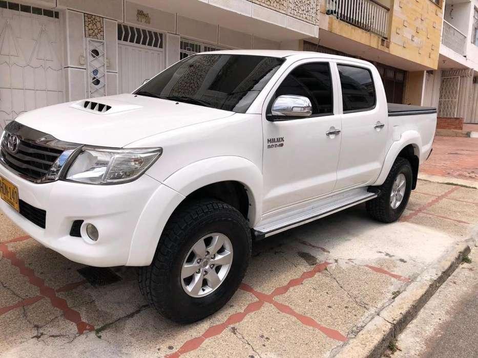 Toyota Hilux 2013 - 75319 km