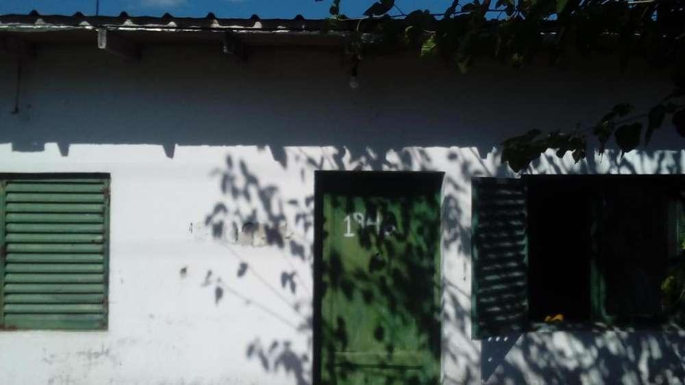 Vendo Casa en Zona Los Hornos !!!!!!!!!