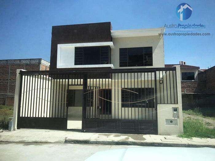 Casa en Venta en Cuenca Sector Diario El Tiempo / Avenida Loja
