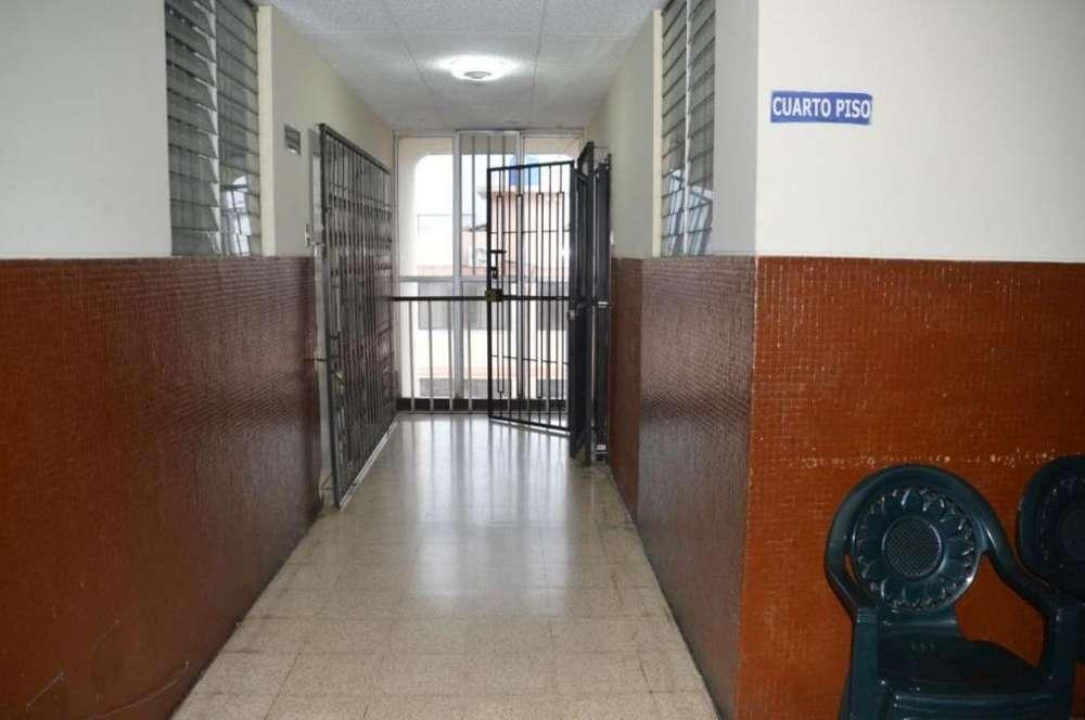 En Venta Consultorio, Luis Urdaneta y García Moreno, Centro de Guayaquil