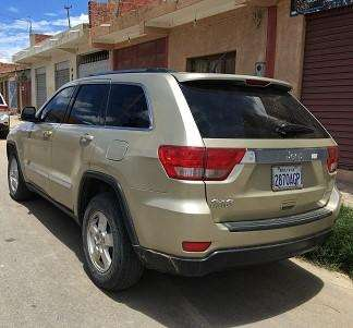 JEEP GRAND CHEROKEE 2011 - 59500 km
