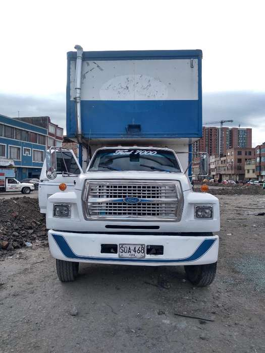 Camion Ford 7000 Publico