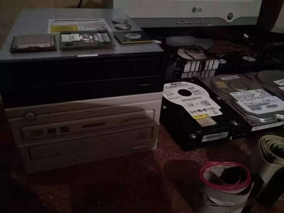 Componentes/Accesorios PC - Mesa/Mueble PC