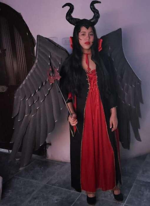 disfraz maléfica con alas artesanales que abren y cierran