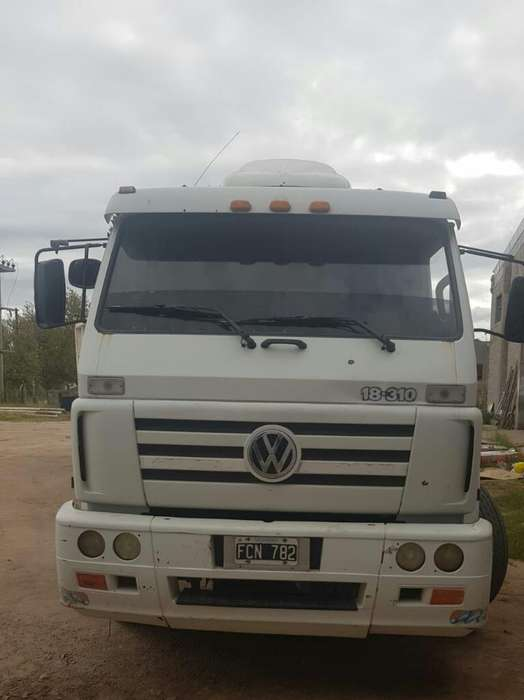Vendo Camion Vw 2005 con Batea