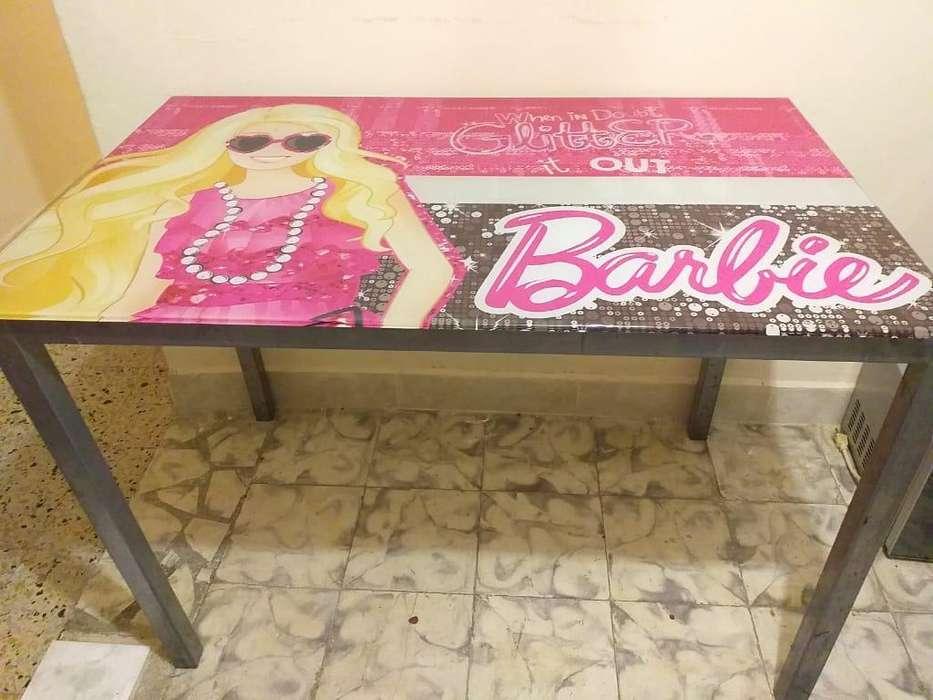Mesa Vidrio Barbie