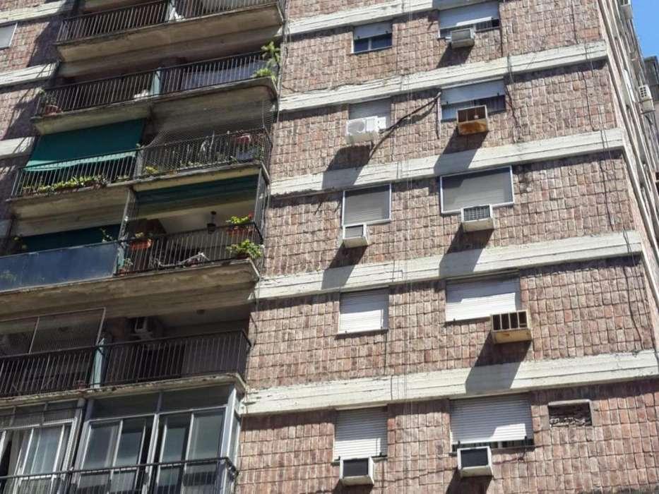 Rosario: Maipu 714 piso 10 Dto 1 o A - Departamento con vista al rio de 3 dormitorios con cochera en venta, Santa Fe, Ar