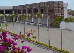 Venta de local en Plaza Beach / Vía San Mateo / vía Piedra Larga / junto a Manta Beach sector Altos de Manta Beach