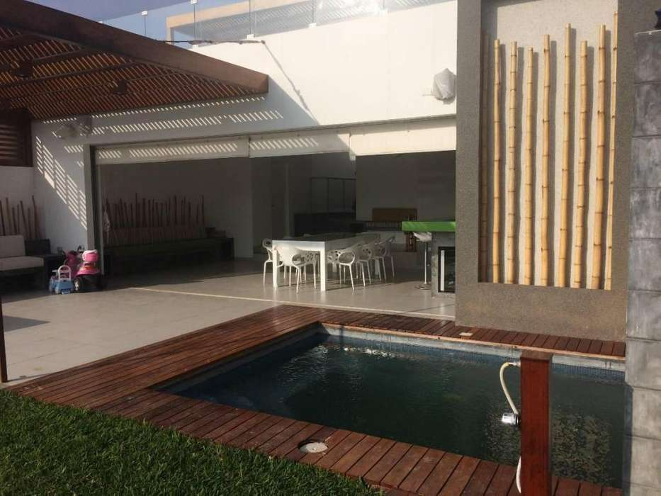 Vendo Moderna Casa de Playa Tres Islas