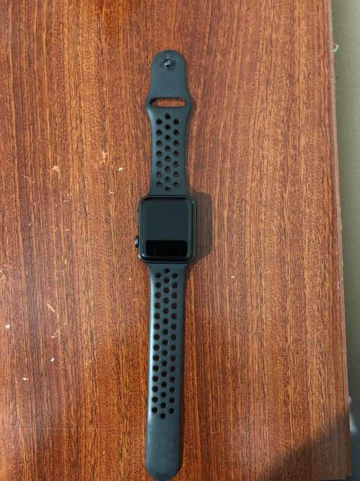 Apple Watch - Series 3 - 42mm - GPS