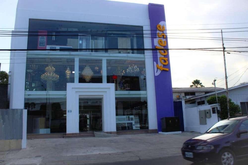 Se vende <strong>edificio</strong> en urdesa central, uso comercial.