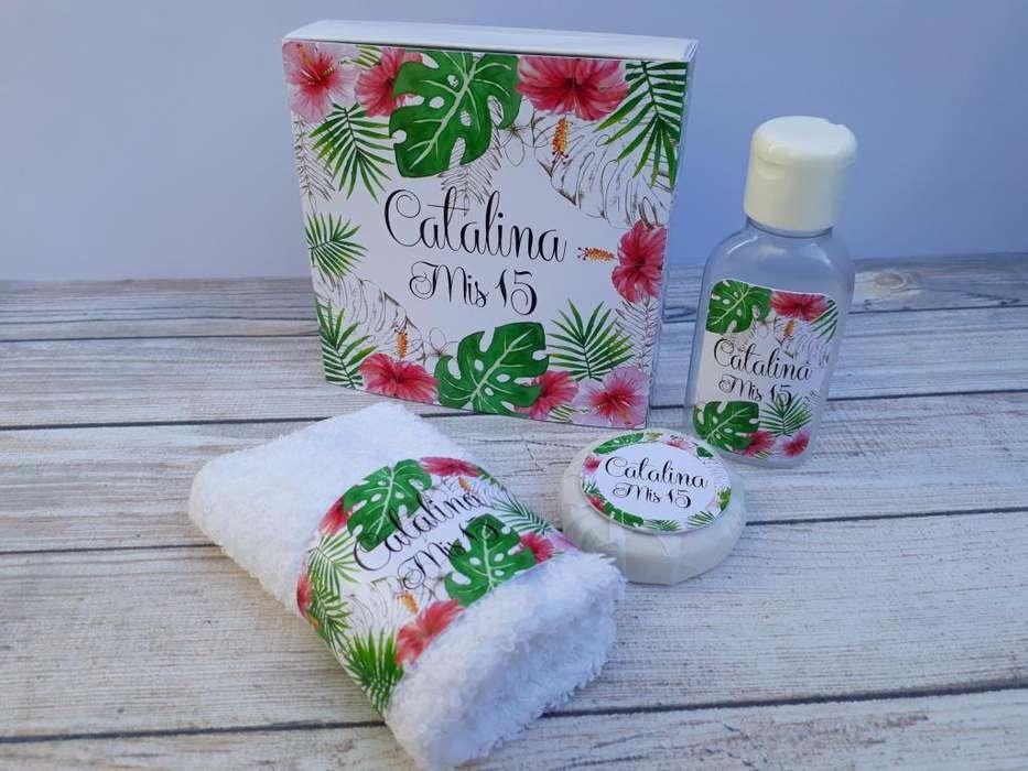 set caja jabón toalla gel de ducha souvenir